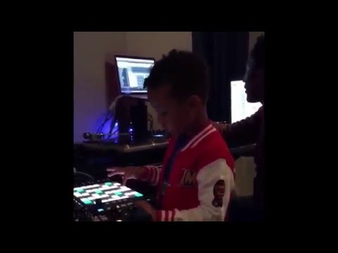 Swizz Beatz Alicia Keys son  Egypt makes beats on beat pad