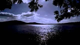 Gece göl manzarası