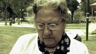 Cajera intenta engañar a abuelita | En su propia trampa | Temporada 2013