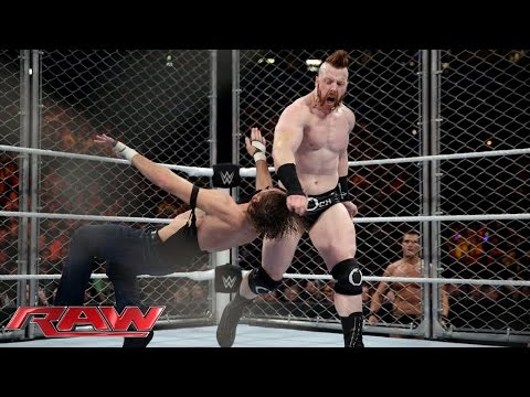 Thumbnail: Dean Ambrose vs. Sheamus - Steel Cage Match: Raw, December 21, 2015
