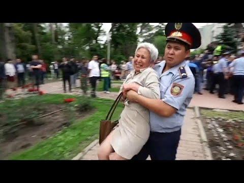 شاهد.. اعتقالات بالجملة في كزاخستان.. وانتخابات نتائجها محسومة…