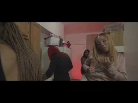 Katie Got Bandz - Pull Up [Prod By Munnie] (Official Video) Shot By @DineroFilms