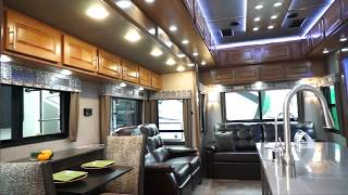 Baixar Luxe Gold Luxury Full Time Fifth Wheel 38GFB