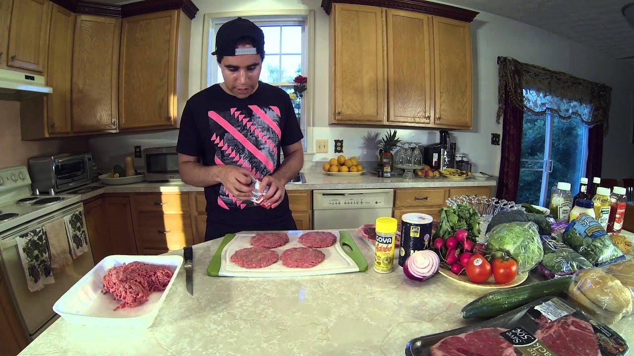 Como preparar una cena de carne de steak humbergers y for Preparar cena para amigos en casa