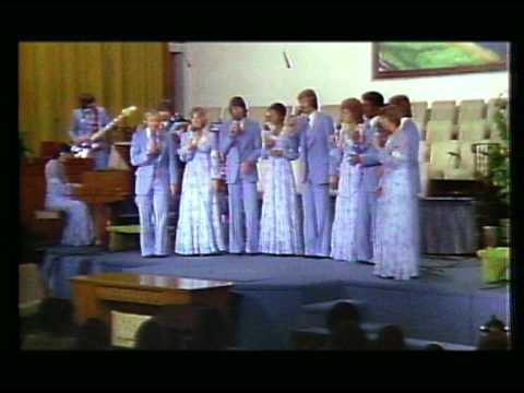 "Heritage Singers / ""We've Come This Far By Faith"" (live)"