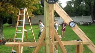 Floating Arm Trebuchet Pumpkin Launch