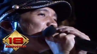 Download Mp3 Slank - Balik Telapak Begini  Live Konser 1000 Bands United
