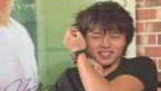 smile smile smile Hyunbin!