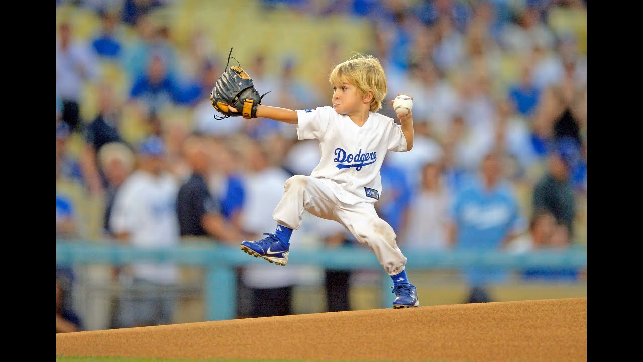 Kids Playing With The Dodgers