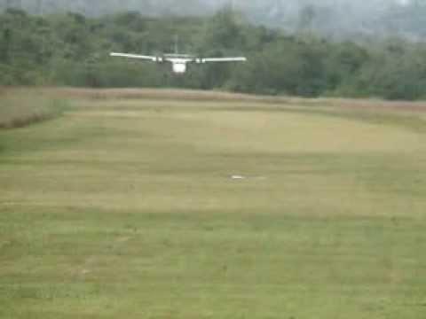 Scary landing Twin Otter De Havilland Suavanao Airstrip