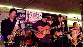 HD - Guitar Geek Festival 2010 - Duane Eddy - Peter Gunn Theme