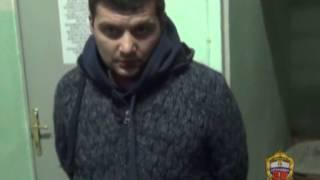 В Москве полицейские задержали подозреваемых в угоне автомобиля(, 2013-11-21T14:06:32.000Z)