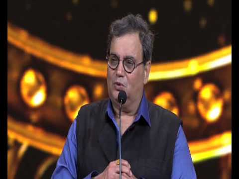 Subhash Ghai receives an IIFA Award for 'Outstanding contribution to Indian Cinema'