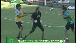 Teofilo Gutierrez y Dobler se pelearon en la practica. (30/03/2011)