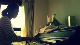 久しぶりにピアノ練習中!
