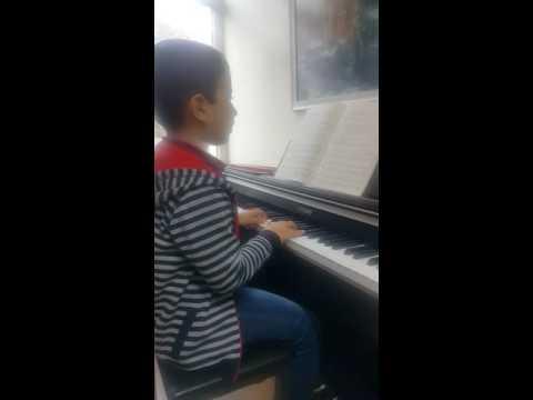 Nüans Akademide Piyano dersi