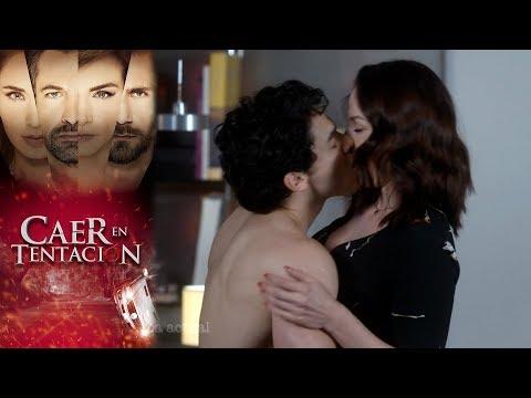 Nico cae en el juego de Alina | Caer en tentación - Televisa