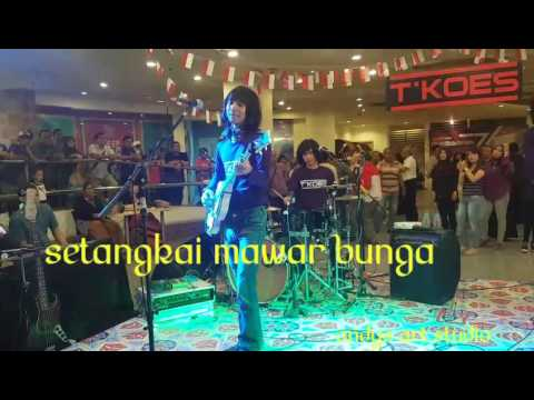 Setangkai mawar bunga by Tkoes Band