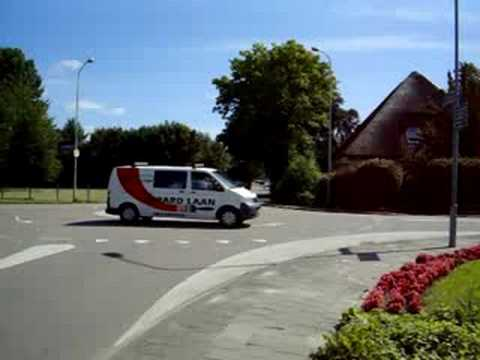 Brandweer Venhuizen onderweg naar auto brand in Hem