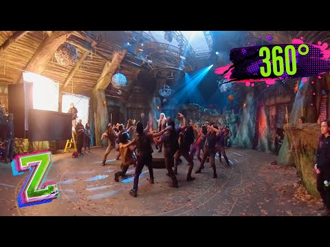 Call To The Wild 360 | ZOMBIES 2 | Disney Channel