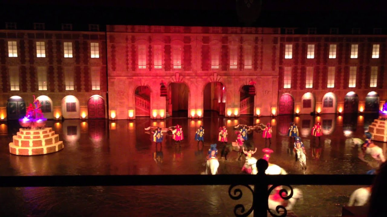 Les mousquetaires de richelieu puy du fou youtube for Le mousquetaire du meuble