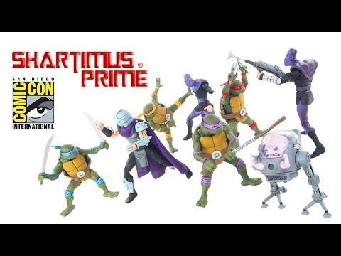 SDCC 2017 TMNT NECA Collector Case 8 Figure Set Teenage Mutant Ninja Turtles Cartoon Figure Review
