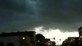 Thunderstorm Interrupts Farmers Market