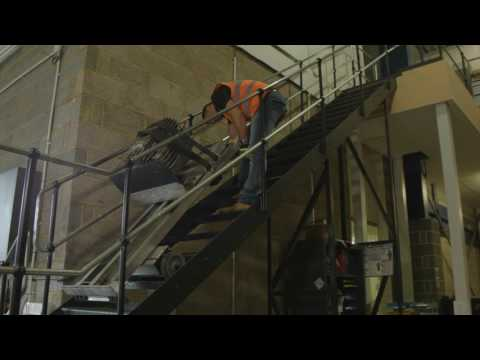 Stanley PowerMate LE1 Stairclimber lifts up to 318kg