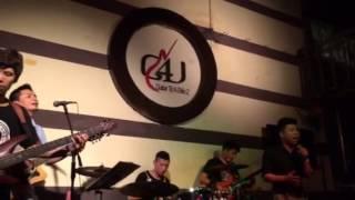 Lá Cờ - Tiến Trung singer - G4U CAFE Hướng Về Biển Đông (9-