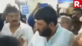 WATCH: TMC MP Misbehaves With Protesting Doctors At Government Hospital | #DoctorsFightBack