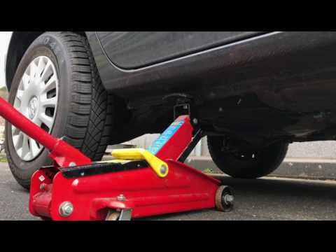 How to lift a car Vauxhall Corsa Mk4 with a car jack rear version DIY