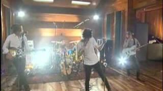 The Kooks - Sofa Song (AOL SESSION)