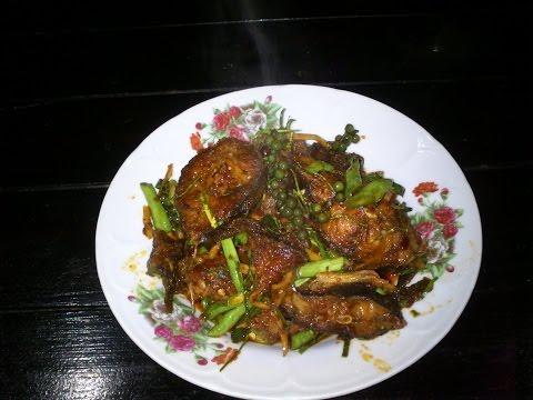 วิธีทำ ผัดเผ็ดปลาดุกน้ำพริกเผา | อาหารไทยเมนูอร่อยทำกินเองได้ www.huahinhula.com