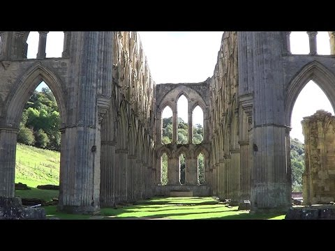 The Solitary Rambler 67: Ruins of Rievaulx (Helmsley Castle and Rievaulx Abbey)