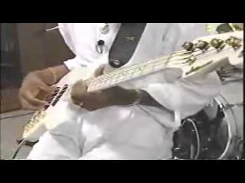 Download Youtube: Larry Graham   Super Slapping Bass part 1