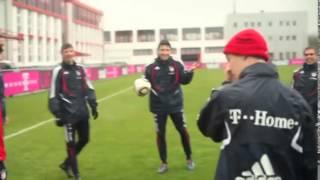 Zwei Fans schleichen sich ins Bayerntraining rein