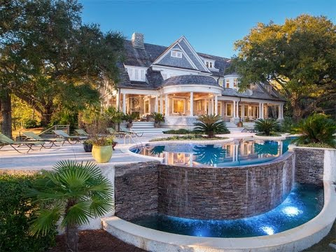 Distinctive Waterfront in Wilmington, North Carolina