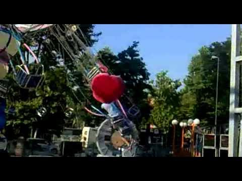 Calcinculo moruzzi mugna show doovi for Giostra a catene