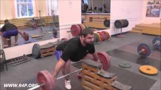 Тренировка сборной России по тяжелой атлетике (Russian weightlifting team training)