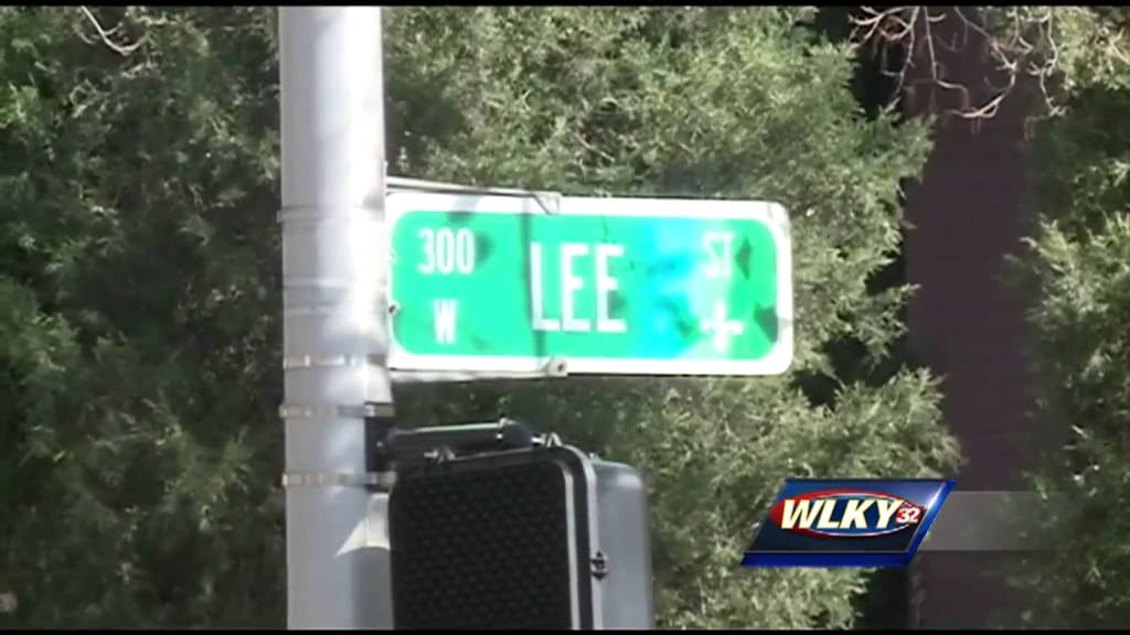 UofL campus on alert after string of robberies - YouTube