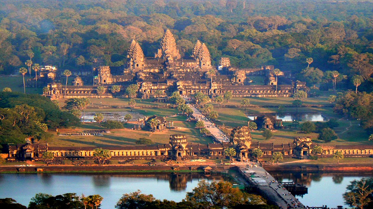 an overview why angkor wat should be on the top five places on the lonely planet