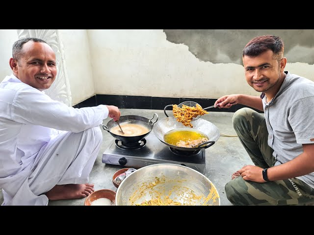 Chai Pakora Halwa Aur Barish | Rainy Day Snacks | Preparing Delicious Snacks | Mubashir Saddique