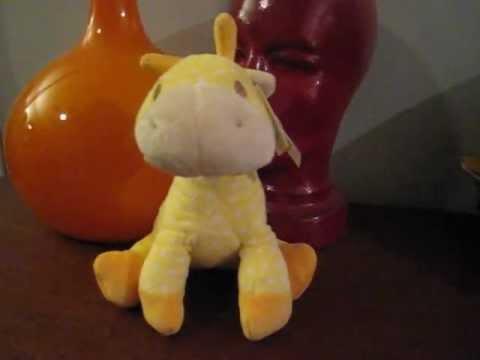 journeysofthezoo GUND giraffe review