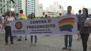 Psicólogos brasileños recurren fallo que sugiere que homosexualidad tiene cura