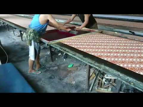 Baju pria tradisional dengan kain batik asli di Batikdlidir WA 082265652222 from YouTube · Duration:  55 seconds