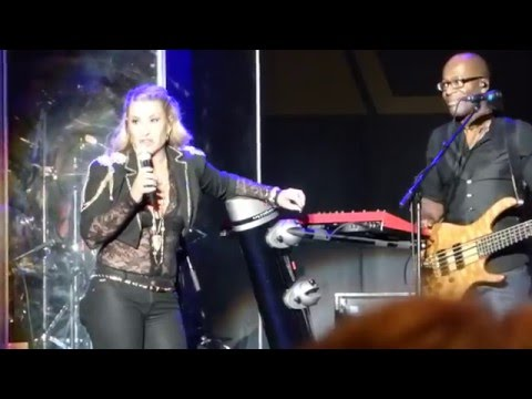 Anastacia - Sick and Tired (Live) @ Frankfurt Jahrhunderthalle 26.01.15 *HD*