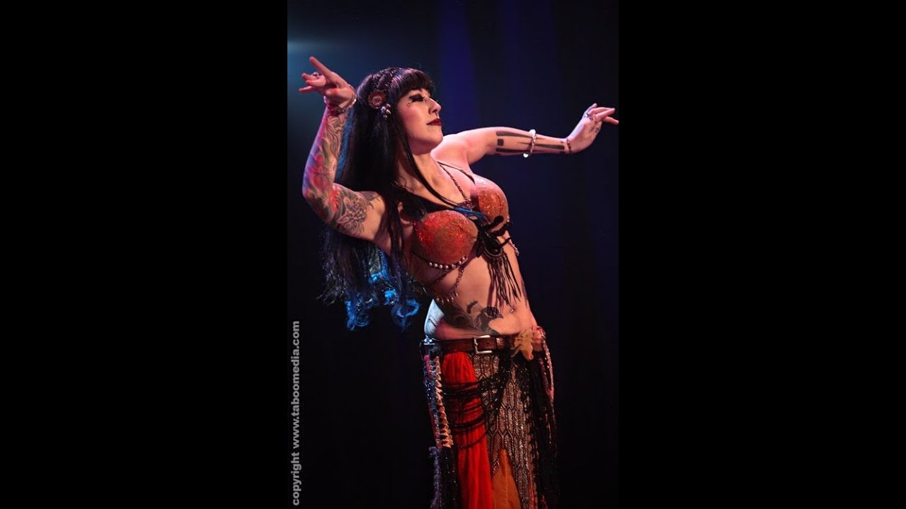 image Traditional sexy belly dancing