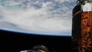 Se den enorme orkanen fra verdensrommet