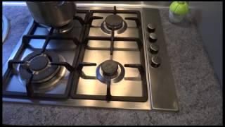 видео Сколько тратит плита - Что экономичнее — газовая или индукционная плита?
