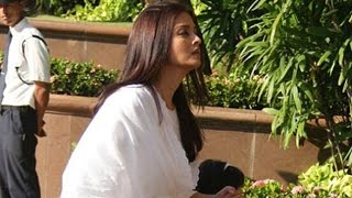 Emotional Aishwarya Rai Bachchan at Father